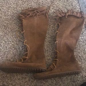 Leather lace up Minnetonka moccasin boots